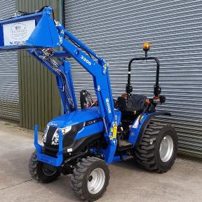 Solis 26 4wd on Industrial Tyres with 4in1 Loader