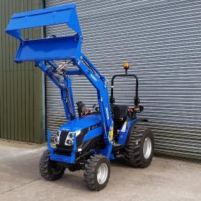 Solis 26 4wd on Industrial Tyres with Loader & 4in1 Bucket in Wiltshire