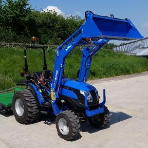 Solis 26 4wd on Industrial Tyres with Loader with 1.4m Grass Topper mower