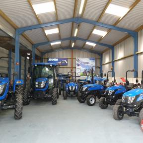 Tallut Machinery selling  the range of Solis Compact & Large tractor in Wiltshire, Dorset, Hampshire, and surrounding areas