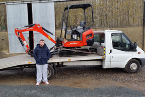 Picture: /images/w288/alan-with-kubota-kx016-4-mini-excavator.jpg
