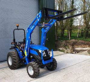 Solis 26 on Industrial Tyres with Solis 3200 Loader & 6ft Oxdale Land Roller
