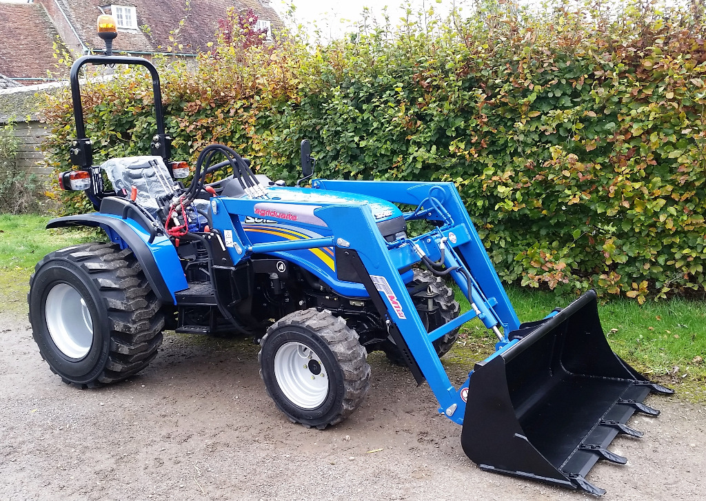Small Tractors With Loaders : Tallut machinery buy new compact tractors solis wd